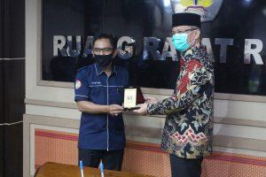 Rektor Untan Prof Garuda Wiko dan Rektor IKIP PGRI Pontianak Teken MoU